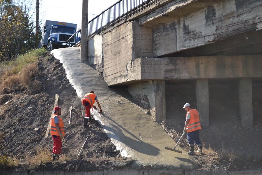 Проведение ремонтных работ на путепроводе по ул. Пролетарской