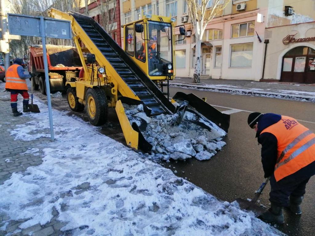 Очистка дорог от снега и наледи