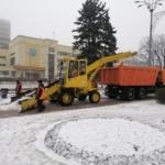 Работы по зимнему содержанию автодорог продолжаются