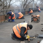 Ремонт перильного ограждения мостов и путепроводов.